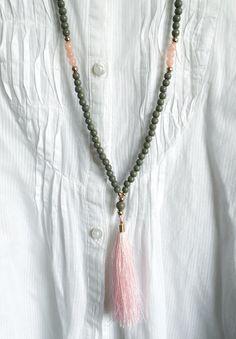 Ketten lang - Kette mit Quaste ☆ Holzperlen ☆ Rosenquarz - ein  Designerstück von lady chaos bei DaWanda 9e62abfabf