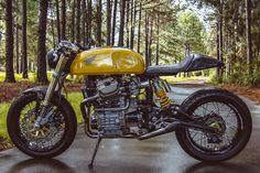 As the world's largest producer of motorcycles, it comes as no surprise that Honda cafe racers are commonplace. Here are our Top 10 Honda Cafe Racer picks. Yamaha Virago, Yamaha Xj 650, Motos Honda, Honda Cx500, Honda Bikes, Honda Motorcycles, Custom Motorcycles, Custom Bikes, Cx500 Cafe Racer