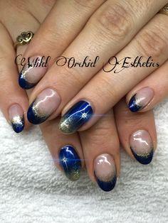 Star if Bethlehem. Christmas nails. Gel nails. Blue nails. Nail art. Gold. Hand painted nail art.