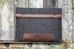 Dark Felt MacBook Case with extra pocket leather by BluCaseFelt