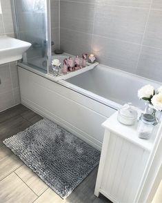 Sophie Hinchliffe on Bathroom Design Small, Bathroom Interior Design, Interior Design Living Room, Grey Bathroom Decor, Bad Inspiration, Bathroom Inspiration, Home Decor Inspiration, Bathroom Organisation, Dream Bathrooms