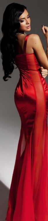 Beautiful in Red Bella Donna Red Fashion, High Fashion, Fashion Outfits, Womens Fashion, Pierre Balmain, Evening Dresses, Formal Dresses, Dresses 2013, Glamour
