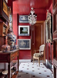 Lacquered walls-Foyer in red with white and black floor is lovely--Frederick Eberstadt Manhattan Apartment via Architectural Digest Architectural Digest, Decoration Inspiration, Room Inspiration, Interior Inspiration, Design Inspiration, Furniture Inspiration, Design Entrée, House Design, Design Trends