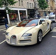 Outrageous is the only way to describe the Bugatti Veyron. The fastest production car in the world with a top speed of New Sports Cars, Exotic Sports Cars, Super Sport Cars, Exotic Cars, Super Cars, Ferrari 458, Maserati, Lamborghini Gallardo, Bugatti Veyron