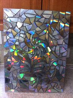 Cd mosaic crafts for me mosiac cd diy cd art cd crafts. Art Cd, Cd Wall Art, Cd Mosaic, Mosaic Crafts, Mirror Mosaic, Mosaic Projects, Old Cd Crafts, Arts And Crafts, Recycled Cds
