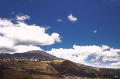 A sunny day in #SanJuanDePasto city reveals the monumental presence of #GalerasVolcano.  Un día soleado en la ciudad de San Juan de Pasto revela la monumental presencia del volcán #Galeras.       @idpacifico @idcolombia @idlatino @pasto_narino_colombia @san_juan_de_pasto_narino @narinoturismo @corazon_de_pasto_ @waycorigen @pasto_narino @turismonarino @yo.soy.pasto @turismopasto @estoespasto @lauralloyd_e @gobernaciondenarino @greatcolombia @colombia_greatshots   Lugar  #Nariño #colombia…