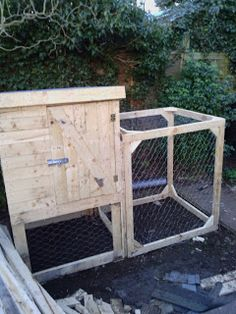 The shed and beyond.: Chicken coop from a pile of pallets ...