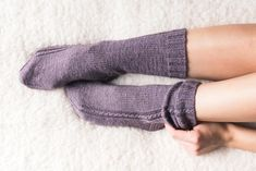 Learn how to knit Lavender Lande cable socks on double pointed needles. Simple yet elegant pattern. Stitch Patterns, Knitting Patterns, Knitting Socks, Knit Socks, Mitten Gloves, Mittens, Learn How To Knit, Stockinette, Sock Yarn
