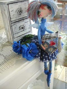 Ангел - Хранитель Дома ...интерьерная кукла - синий,васильковый,интерьерная кукла..... (omGEE! CUTENESS!!).... Pretty Dolls, Cute Dolls, Beautiful Dolls, Doll Crafts, Diy Doll, Plush Dolls, Doll Toys, Handmade Toys, Handmade Art