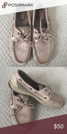 Sperry Top-Sider boat shoes Classic Sperry boat shoes in almost perfect condition. Sperry Top-Sider Shoes Flats & Loafers