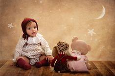 Disney Characters, Fictional Characters, Disney Princess, Art, Infant Photography, Globes, Creativity, Blue Prints, Fotografia