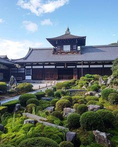先日行った、東福寺。キレイに撮れていたと今更ながら自分で満足してます。  #東福寺 #庭園 #美しい青空 #tofukuji