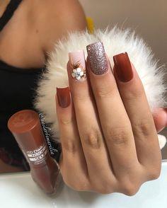 Ideias de unhas com Glitter para você arrasar Christmas Gel Nails, Classic Nails, Diva Nails, Crazy Nails, Summer Acrylic Nails, Flower Nails, Perfect Nails, Manicure And Pedicure, Nail Artist