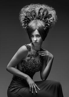 Bozena Sarek from Bozena Sarek Hairdressing won the Ireland title at the Revlon Professional Stylemasters event in Rome, Italy. Avant Garde Hair, Beehive Hair, Crown Hairstyles, Hairdos, Messy Braids, Hair Locks, Fantasy Hair, Wild Hair, Crazy Hair
