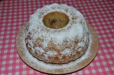 Sváteční bílková bábovka Cake, Desserts, Food, Tailgate Desserts, Deserts, Kuchen, Essen, Postres, Meals