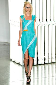 Rodarte Spring 2012 Ready-to-Wear Fashion Show - Patricia van der Vliet