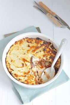 Fresh and easy moussaka Greek Recipes, My Recipes, Favorite Recipes, Healthy Recipes, Healthy Food, Go For It, Cookies Et Biscuits, Food Inspiration, Love Food