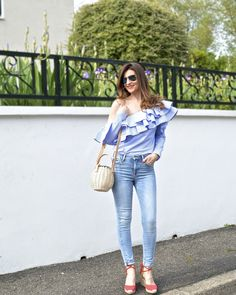 #ruffles #volants #streetstyle #offtheshoulder  #ootd #outfit #outfitoftheday #lookdujour #tenuedujour #sofrenchbynaty #look #lookoftheday #oneshoulderoff #streetoutfit #chicwish #castaner - Statement Top !