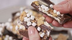 S'mores Bark Is the Only Holiday Bark You Need to MakeDelish Holiday Desserts, Holiday Baking, Just Desserts, Delicious Desserts, Yummy Food, Summer Desserts, Candy Recipes, Gourmet Recipes, Biscotti