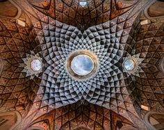 See the incredibly beautiful geometric patterns of Iran's ancient mosques, captured in unique magnificent photos by Mohammad Reza Domiri Ganji. Sacred Architecture, Persian Architecture, Architecture Design, Parametric Architecture, Futuristic Architecture, Pink Mosque, Dome Structure, Exposition Photo, Staircase Makeover