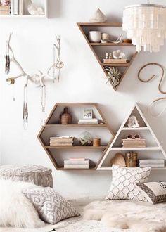 étagères murales de design géométriques en bois en tant que DIY déco chambre ado fille pratique et esthétique #DIYHomeDecorChambre