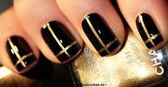 Black nails designs are normally searched by girls because they like to try black stunning manicure with their matching party dress. Golden Nail Art, Golden Nails, Black Gold Nails, Black Nail Art, Pedicure Designs, Toe Nail Designs, Red Pedicure, Gold Manicure, Nailed It