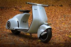 Vespa's conceptual electric scooter combines its WWII history with modern design | Yanko Design Vespa V50, Piaggio Vespa, Vespa Scooters, Triumph Motorcycles, Custom Motorcycles, Indian Motorcycles, Custom Bikes, Vintage Vespa, Electric Vespa