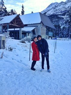 KathNiel in Anchorage, Alaska. Daniel Padilla, Kathryn Bernardo, Vacation Trips, Vacations, Queen Of Hearts, Mom And Dad, Raincoat, Winter Jackets, Teen