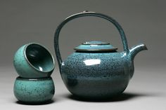 Stoneware teapot and teabowls by Willow Creek Pottery,  photo by David Coulter