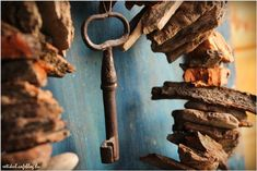 Candle Sconces, Firewood, Wall Lights, Candles, Texture, Diy, Driftwood, Crafts, Home Decor