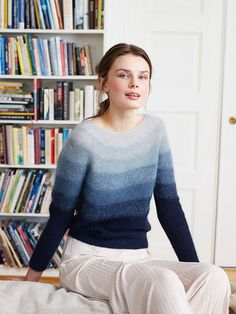 Ravelry: Himmel og Hav-genser pattern by Rauma Designs Tweed, Mohair Sweater, Knit Sweaters, Cardigans, Damen Sweatshirts, Knitwear Fashion, Sweater Knitting Patterns, Stockinette, Only Fashion