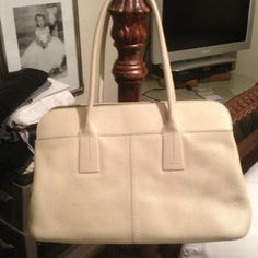 "SALE! TOD'S pebbled leather shoulder bag Elegant and goes with anything. This bag is in very good shape. Worn a few times. Good size as it easily fits my iPad. Several pockets inside make it easy to organize your things! No trades no pay pal. 15"" x 10"". Tod's Bags Shoulder Bags"