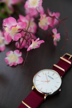 Rose gold looks amazing on this Parsonii watch!