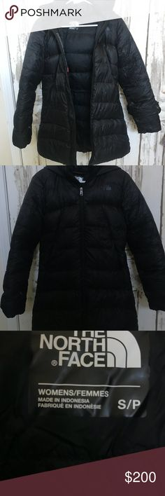 """Women's Northface down jacket. Size small women's Northface packable down """"polar journey parka"""". Like new, I bought it for a trip, worn once and been in my closet. Really nice, stylish and warm! The North Face Jackets & Coats Puffers"""