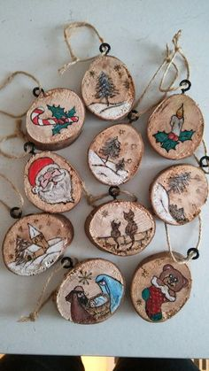 32 Beautiful Elegant Wood Slices for Chasing for Chrismas Decorating Ideas 31 Wooden Christmas Ornaments, Handmade Ornaments, Diy Christmas Gifts, Christmas Projects, Christmas Tree Decorations, Handmade Christmas, Wood Slice Crafts, Wood Burning Crafts, Wood Burning Art