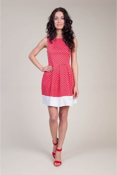 Sesja produktowa #photosession #model #depare #dress #hearts #red #white