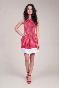 Sesja produktowa #photosession #model #depare #dress #hearts #red #white