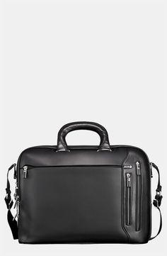 €772, Serviette en cuir noire Tumi. De Nordstrom. Cliquez ici pour plus d'informations: https://lookastic.com/men/shop_items/1912/redirect