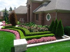 Flower beds organized neatly and featuring clean and simple lines easily impress
