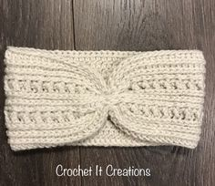 Crochet Headband textured ear warmer headband free crochet pattern - Ana Ear Warmer is a textured crochet pattern made of beautiful stitches. It works up quickly. Photos are included for guidance. Crochet Headband Free, Crochet Hooks, Free Crochet, Knit Crochet, Crochet Baby, Crochet Style, Knit Headband, Crochet Granny, Baby Headbands