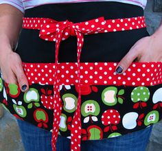 LOVE the pattern on this teacher apron. Have you used a teacher apron? I usually don't wear pants/skirts with pockets. soooo helpful to have an apron like it yourself gifts handmade gifts Teacher Apron, Chalk Talk, Cute Aprons, Sewing Aprons, Apron Designs, Apron Pockets, Teacher Gifts, Teacher Stuff, Teacher Wear