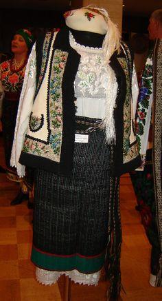 Kолекція народного одягу Буковини.