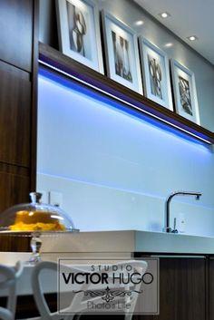 Até a iluminação em led colaboram com a tecnologia e sofisticação nos detalhes.