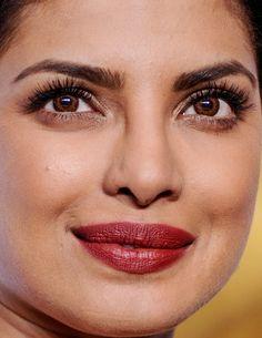 priyanka chopra at the 2016 academy awards priyanka chopra oscars academy awards red carpet makeup celeb celebrity celebs celebrities celebrityclose-up.com