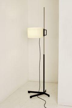 La dernière édition de la très célèbre lampe TMC de Miguel Milá commandée par Santa & Cole re [...]