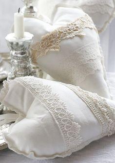 Pretty #White #Lace #Hearts