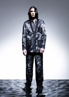 Natural Landscapes - Natural landscapes are the main inspiration behind this Martin Across collection that consists of graphic and sculptural menswear pieces. Fall Winter 2014, Futuristic, Catwalk, Print Patterns, Menswear, Men Fashion, Collection, Landscapes, Shape