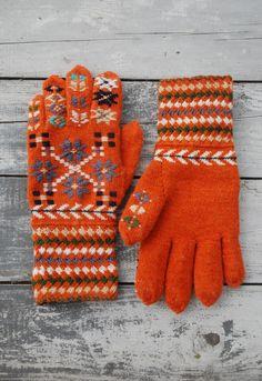 Gloves   Orange   Pattern folk   Geometric   Wool knit   undiin by kristi everst