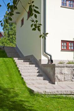 Landscape Stairs, Hillside Garden, Backyard, Patio, House Entrance, Garden Furniture, Old Houses, Exterior Design, Building A House