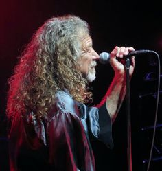 Robert Plant performs in Vegas at Brooklyn Bowl on 5/28/15